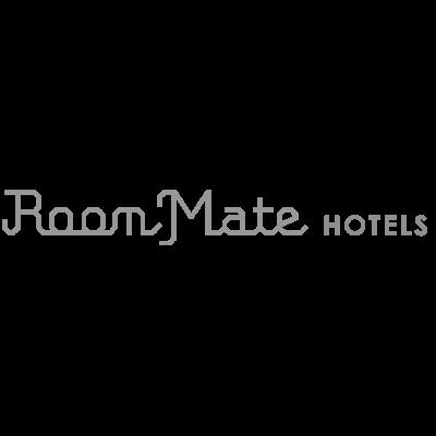 Logo Room Mate hoteles en blanco y negro